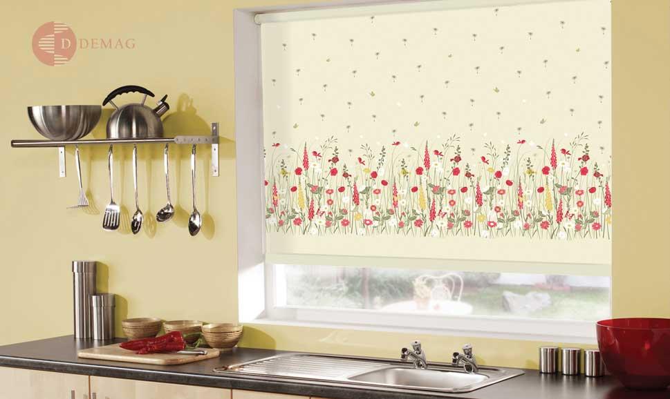 руло щори в кухнята